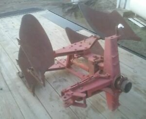 Massey Ferguson 55 2 Bottom 3 Point Rollover Plow Turning Turnover Cultivator