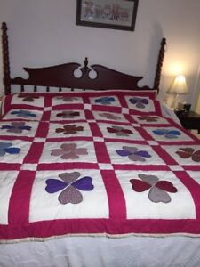 Nice Four Leaf Clover Applique Cotton Hand Stitched Quilt