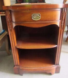 Vintage Drexel Wood Night Stand Dark Finish Federal Style Estate Furniture