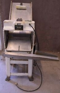 Oliver 797 c Gravity Feed Bread Slicing Machine Commercial Bakery Slicer 1 2