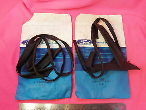 Nos 1955 1956 1957 Ford Thunderbird Rear Fender Skirt Seal 55 56 57 Strip T bird
