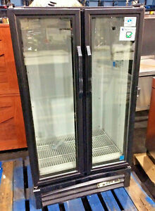 True Gdm 30 ld Glass 2 Door Merchandiser Refrigerator Beverage Cooler Sn 7780486