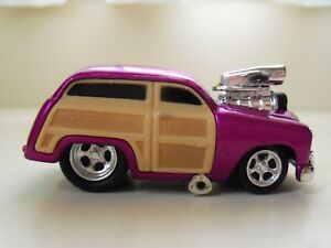 Muscle Machines 1950 50 Ford Woody Purple 164 Diecast Loose
