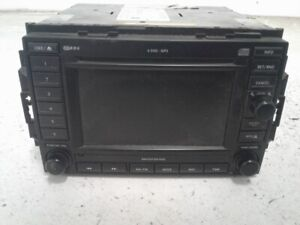2007 Chrysler 300 Am Fm Cd Player Navigation Radio W Display Screen Id Rec Oem