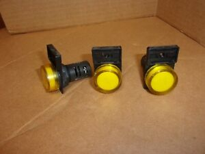 Lovato 8lp2tilb5 Yellow Pilot Light Lot Of 3