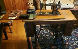 Antique Singer Sewing Machine Model 66 1 Red Eye Cabinet Table 1910 Cast Iron