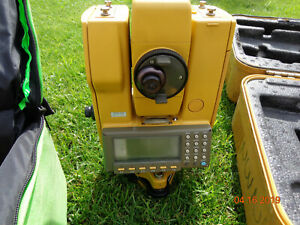 Topcon Gts 701 3 Surveying Total Station With Carrying Case k1