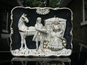 French Nobility Figures Of Victorian Ear In Porcelain On Antique Wall Hanging
