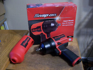New Snap on Tools Red 1 2 Drive Super Duty Air Impact Wrench With Cover Pt850