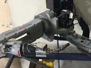 2010 Yaskawa Motoman Ma1400 Robotic Welding Cell With Indexing Table