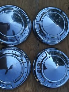 Set 4 1950 S Pontiac Motor Division Dogdish Hubcaps Oem Great Caps