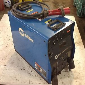 Miller Auto Invision Ii Arc Welding Power Source 230 460v 19 2kw cracked wks