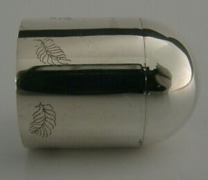 Superb English Modernist Sterling Silver Box Engraved With Feathers 1995