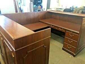 5 1 2 X 7 9 Traditional U shape Reception Desk By Ofs Office Furniture