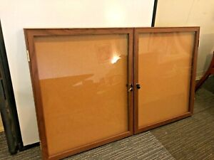 5 Plastic Enclosed Bulletin Board For Wall mounted Indoor By Ghent W lock