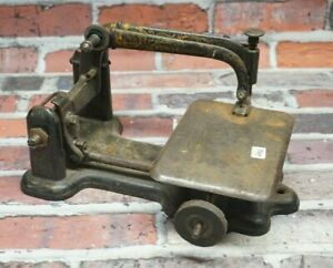 Antique Wheeler And Wilson Sewing Machine 371578
