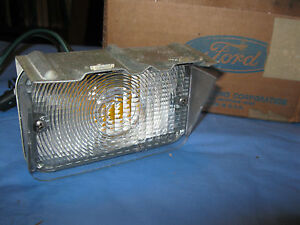 Nos 1972 Ford Ltd custom galaxie Left Drivers Parking Lamp Assembly