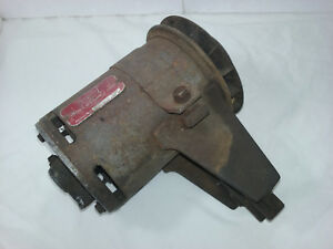 1940 s 1950 s Ford V8 Flathead Generator With Mount 7 Volt 35 Amp 365f