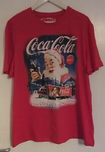 MENS COCA COLA XMAS CHRISTMAS 'HOLIDAYS ARE COMING' TRUCK FESTIVE T-SHIRT XL