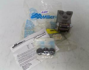 Miller Fluid Power Subplate 300 201 304 Nib