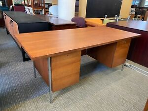 76 wx36 dx29 h Vintage Style Desk By Knoll International In Cherry Finish Wood