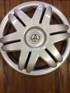 1 2000 2001 Toyota Camry Hubcap Wheelcover 15 Wheel Cover Hub Cap