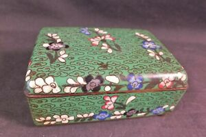 Vint Chinese Cloisonne Cigarette Or Jewelry Box W Delicate Flowers On Jade Green