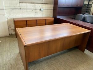 Executive Set Desk Credenza By Steelcase Office Furniture In Cherry Wood