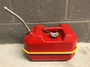 Vintage Blitz 2 5 Gallon Metal Gas Can Fuel Can Usmc Jeep 1984 Screened Spout