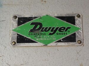 Dwyer Instruments Model No 400 10 gage Air Velocity Meter