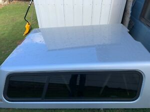 Chevy Silverdo Fiberglass Truck Cap 6 5 Ft Bed Silver In Color With Electric
