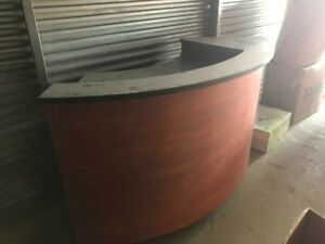 Circular Pos Counter In Good Condition shelves For Computer pos and Other