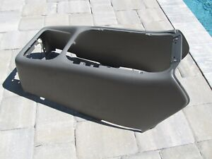 Yukon Silverado Tahoe Center Console Gray 99 02 Skin Housing Replacem Cover Only