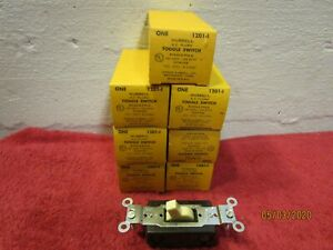 Lot Of 7 Vintage Hubbell 1201 1 Toggle Switch Single Pole Ivorine Ivory 15a