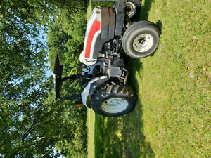 New Holland Tb100 Tractor 2006