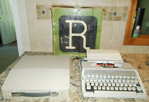 Vintage Royal Mercury Portable Typewriter 1971 With Carrying Case works Great