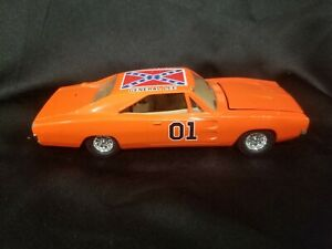 The DUKES OF HAZZARD 1969 Charger GENERAL LEE - Die Cast - Body Shop $23.50