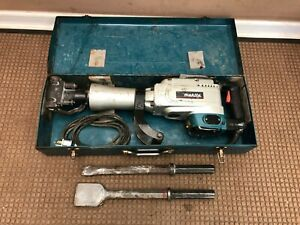 Makita Hm1304b 35 pound Corded Demolition Hammer With Case 2 Bits