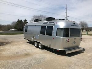 Airstream Globetrotter Travel Trailer sb1067234