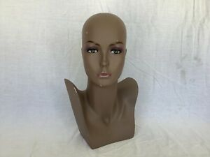 Female Mannequin Display Head Form Bust Makeup No Hair Excellent Condition B
