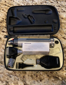 Welch Allyn Diagnostic Set Ophthalmoscope Otoscope W Travel Case