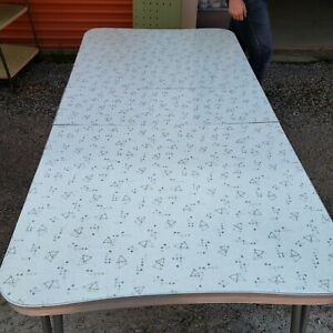 Vintage 1950 S Kitchen Table Set With 4 Chairs