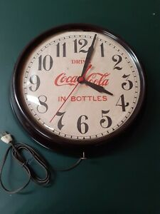 VINTAGE COCA COLA CLOCK BAKELITE LENS DRINK IN BOTTLES WINSTED CONN 1930 ELECTRC