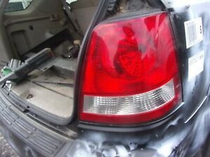 2003 2005 Kia Sorento Right Passenger Side Tail Light Great Condition Oem