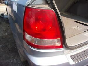 2003 2005 Kia Sorento Left Drivers Side Tail Light Great Condition Oem