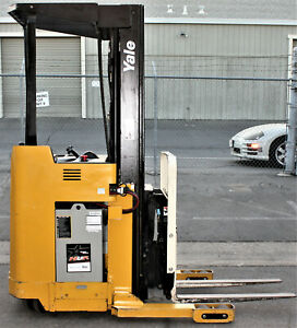 2000 Yale Nr040 Electric Reach Truck Narrow Aisle Forklift Stand Up