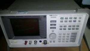 Hp 8592d Spectrum Analyzer 9khz 26 5ghz Opt 026