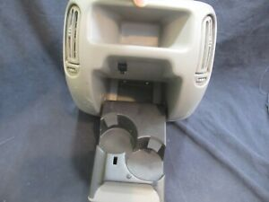 Yukon Silverado Tahoe Center Console Part Gray 99 02 Cup Holder And Vent Assem