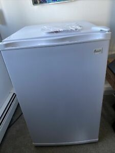 Freezer Chest Avanti 19 25 By31 75great Cond Long Island Only Will Deliver Ny