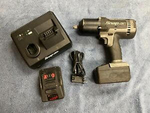 Snap On Ct8850s 1 2 Impact Wrench 18v W Ctc131 Charger And Two Batteries